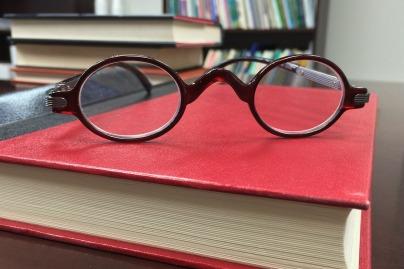 glasses-568407_1920